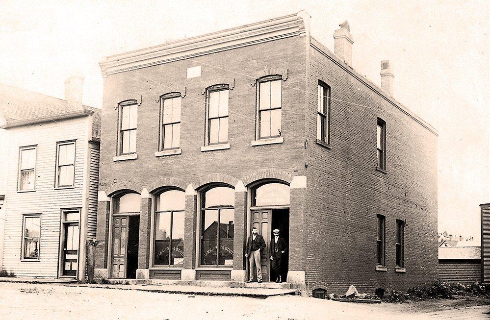 The Whiskey Teller Building in 1900